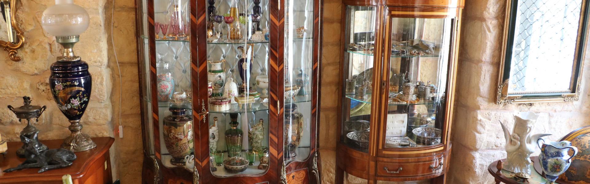 Антики в антикварен магазин Варна